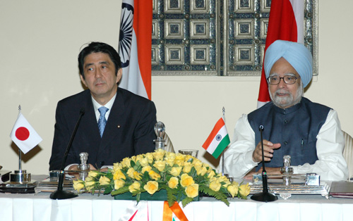 Shinzo Abe and Manmohan Singh