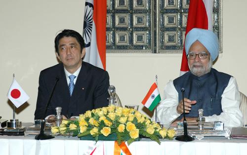 Shinzo Abe and Manmohan Singh